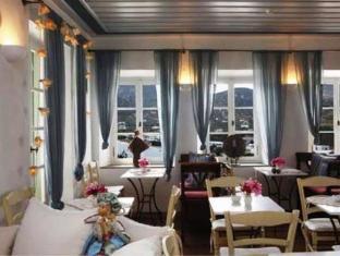 Niriedes Hotel