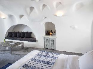 Andronis boutique hotel oia santorini cave hotels for Boutique hotel oia