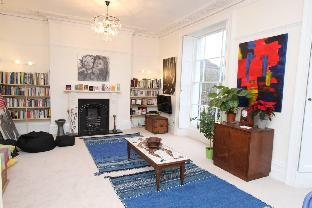 A Homely and Arty Clifton Apartment