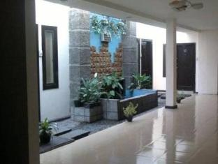 Cherry Red Hotel Medan - Interior