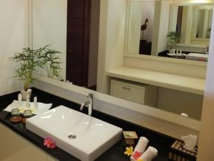 Indonesia Hotel Accommodation Cheap | Villa Pantai Senggigi Lombok - Bathroom