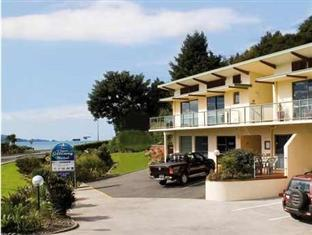 Best guest rating in Paihia ➦ The Waterfront Suites – Heritage Boutique Collection takes PayPal