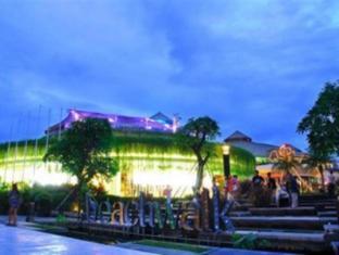 Bemo Corner Guest House Балі - Оточення