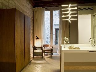 Hotel Mercer Barcelona guestroom junior suite