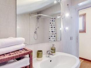 Rent Flats in Rome Monti Rome - Bathroom