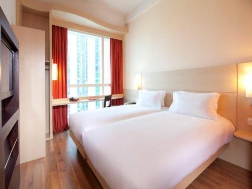 ➦  Accor Hotels    (Hong Kong) customer rating