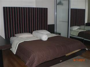 Coenenƒ??s Apartment at Thamrin Residence