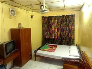 Chi Cha Guesthouse and Restaurant Phnom Penh - Double Bedroom with AC