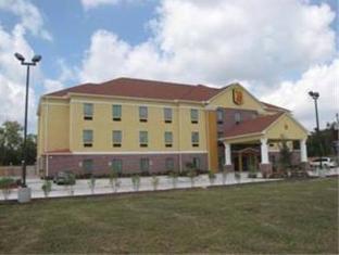 Super 8 Laporte Hotel