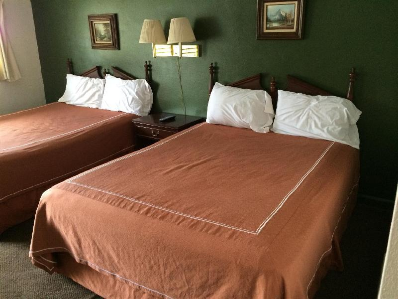 Motel Forrest Rockville - Rockville, IN 47872