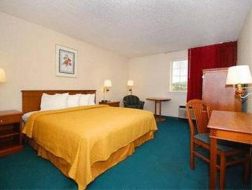 Econo Lodge hotel accepts paypal in New Stanton (PA)