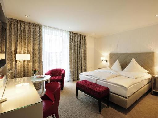 ➦  World Hotels    (Lower Saxony) customer rating