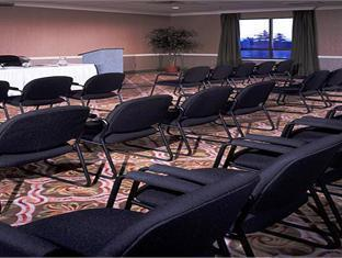 Ambassador Conference Resort Kingston (ON) - Meeting Room