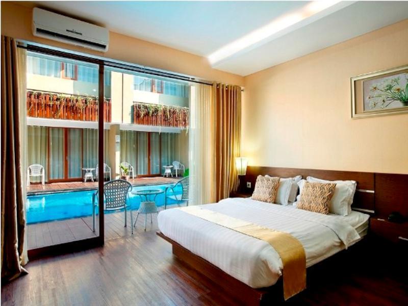 Di Devata Suite Residence Didesain Dengan Sentuhan Modern Minimalis Dilengkapi Teras Mungil Yang Langsung Menghubungkan Ke Kolam Renang