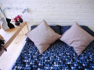2W Cafe & Hostel Phuket - Guest Room
