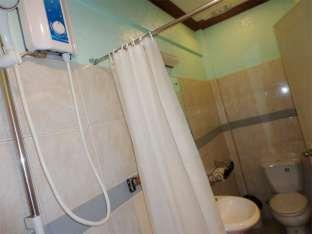 Idea Pension House Bohol - Family Room Bathroom