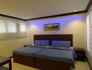 BlueFins Resort Cebu - Villa Standard