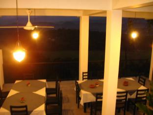 Zenith Home Stay Kandy - Dining Area