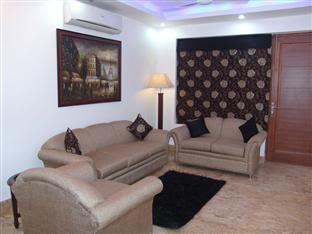 Skylink Suites Bed & Breakfast New Delhi and NCR - Lounge