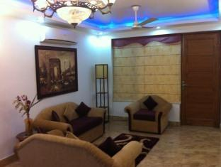 Skylink Suites Bed & Breakfast New Delhi and NCR - Lobby