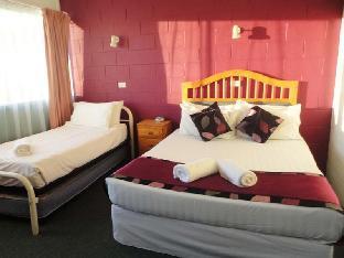 cheap rates Town Palms Motel