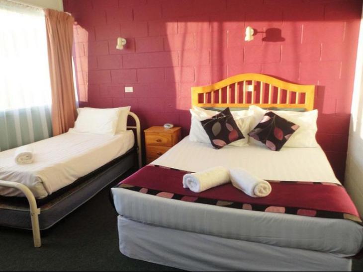 Town Palms Motel photo 4