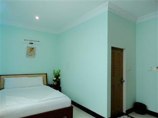 U E Guest House & Restaurant Phnom Penh - Deluxe Double Bedroom