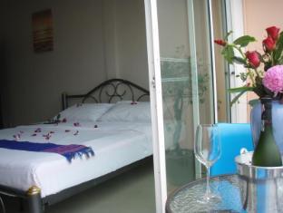 JJ&J Patong Beach Hotel Phuket - Gästrum