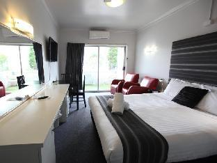 Best PayPal Hotel in ➦ Lake Macquarie: Caves Beachside Hotel