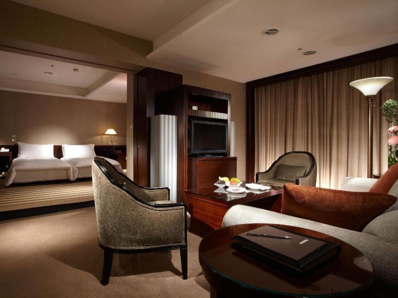 Executive Suite With Breakfast