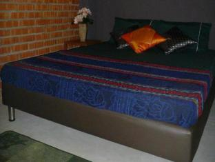 Batu Bata Guesthouse Kuching - Double Room With Aircon