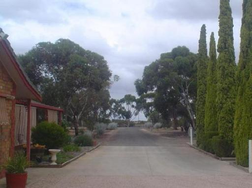 Best guest rating in Kadina ➦  takes PayPal