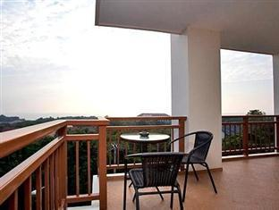 Emerald Palace - Serviced Apartment Pattaya - Balcony