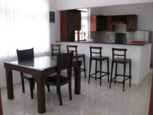 Paradise Bay Hotel Bentota/Beruwala - Kitchen furniture