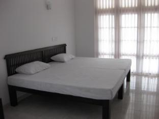 Paradise Bay Hotel Bentota/Beruwala - King Size Bed