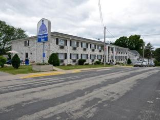 Magnuson Hotels Hotel in ➦ Lancaster (WI) ➦ accepts PayPal