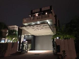 3 Storey Bungalow for Homestay at Subang Jaya