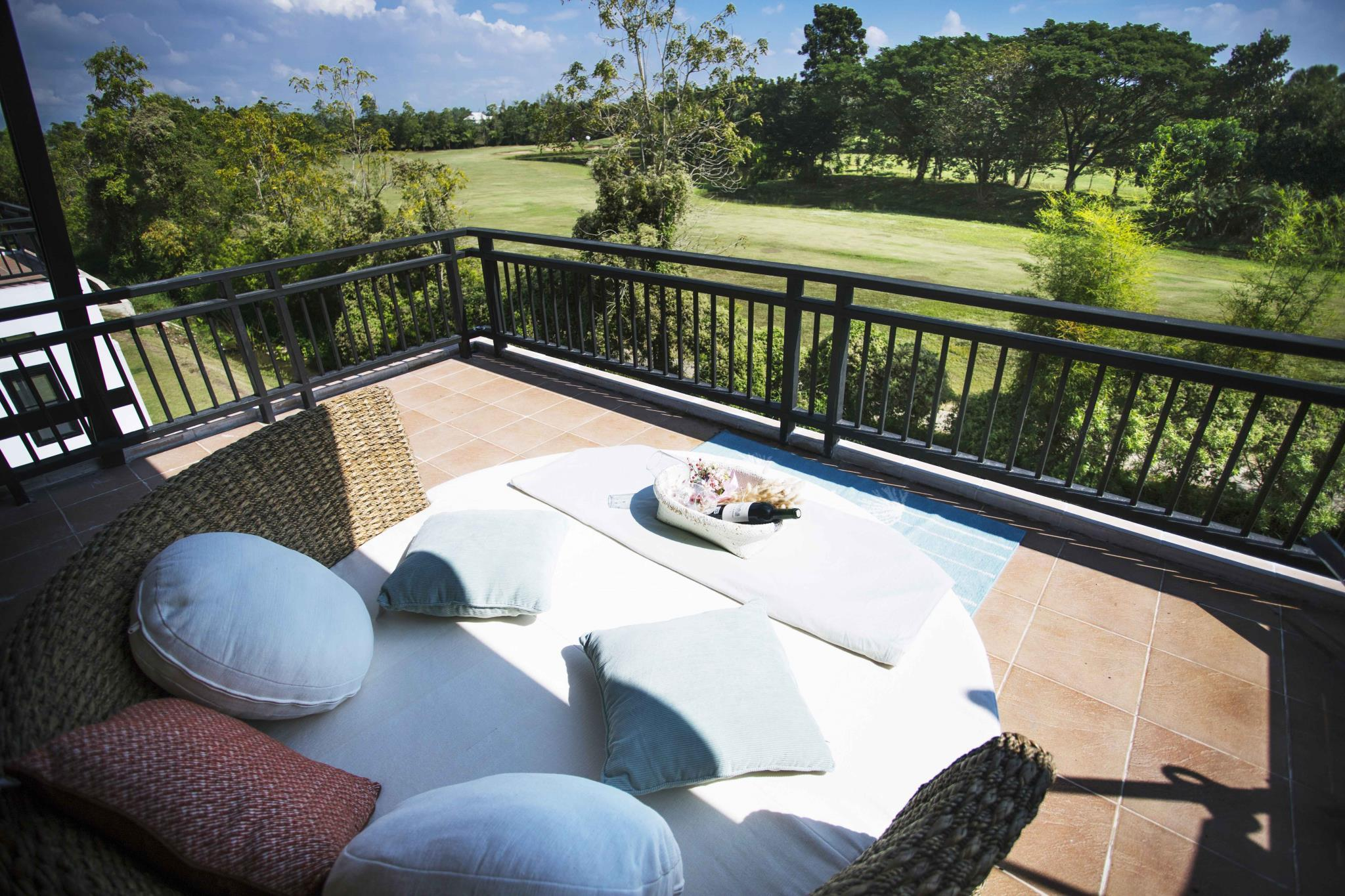 golf view villa,golf view villa
