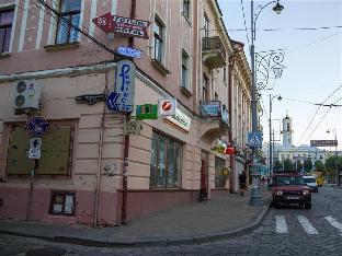 Chernivtsi Central Square Hostel