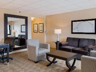 room of Hilton Hasbrouck Heights/Meadowlands Hotel