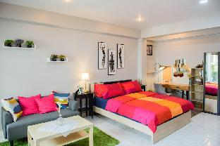 A Studio Room, Cozy and Clean by Smile GrayRoom