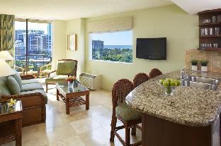 Front view of Luana Waikiki, an Aqua Boutique Hotel