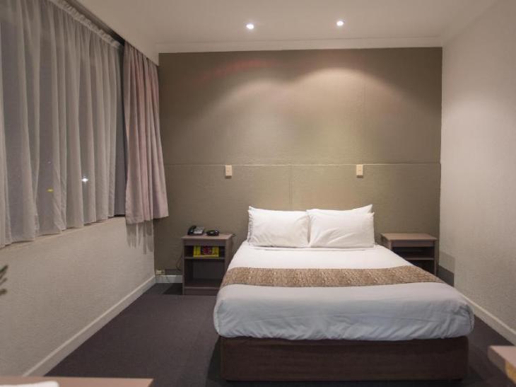 Diplomat Motel photo 5