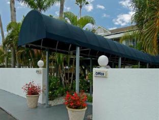 3 Palms Sarasota Suites Hotel