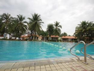 Perdana Resort Kota Bharu - Swimming Pool
