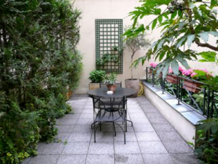 Hotel Jardin de l'Odeon Paris - Balcony/Terrace