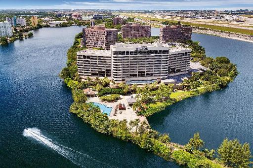 Hilton Hotel in ➦ Miami (FL) ➦ accepts PayPal