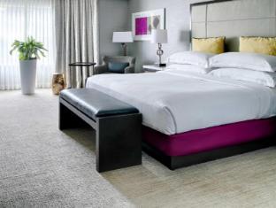 room of Hilton San Diego Del Mar Hotel