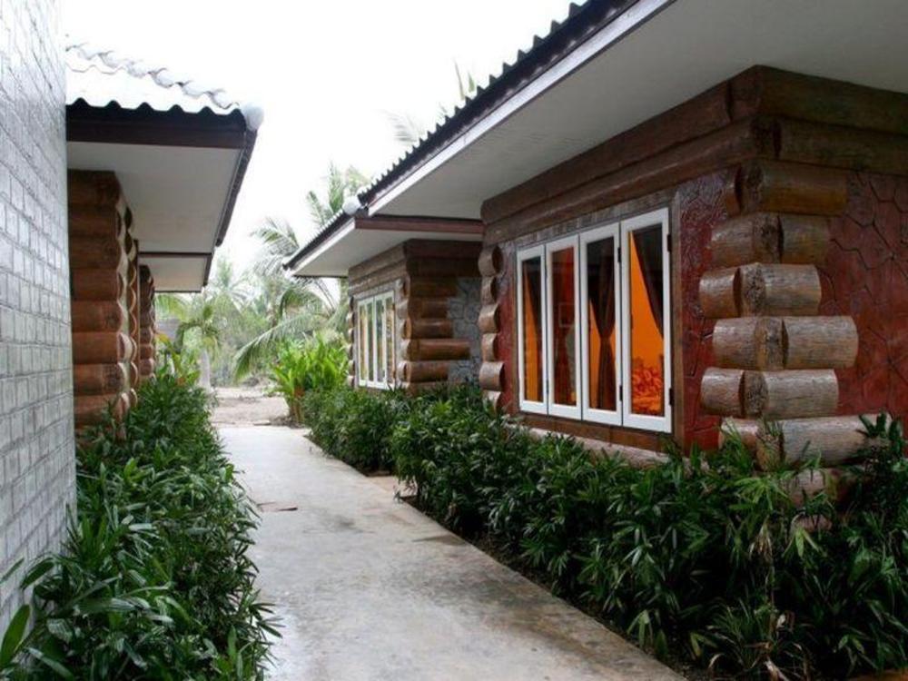 Amphawa Club Resort & Spa