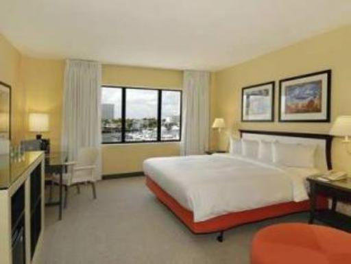 Bahia Mar Fort Lauderdale Beach a DoubleTree by Hilton Hotel hotel accepts paypal in Fort Lauderdale (FL)